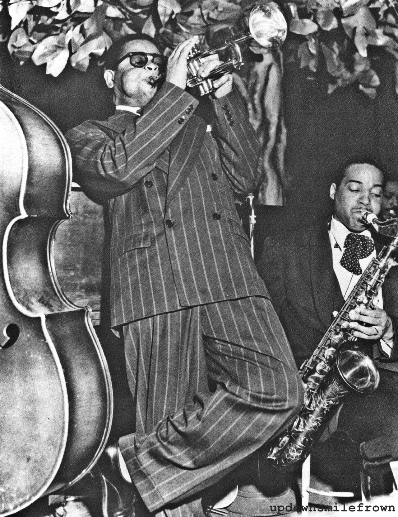 updownsmilefrown:  Dizzy Gillespie jamming at the Royal Roost in New York, 1948