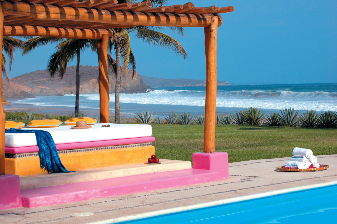 Luxurious Las Alamandas in Mexico