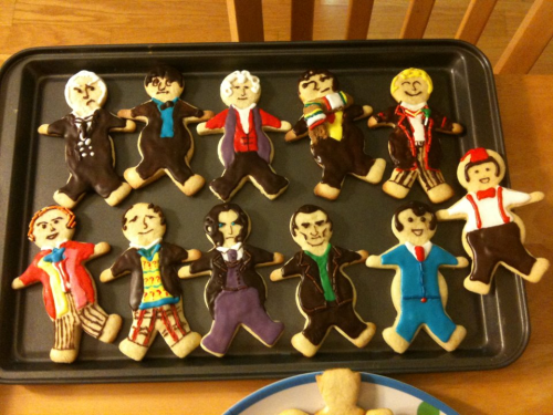 falsenostalgia-sundries:  Doctor Who cookies made by Wendy and Ali! They are too talented for words. (I had no part in this, they are friends of mine.)