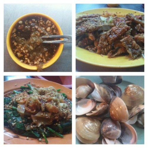 spicy sauce, 4 in one plate, kangkung wif squid and my favourite lala, reli hot and spicy, but so much delicious, thankew @johnzai1990 and @andreenannqi bringing me for so many place and so many delicious food, thankewwwww muacks #foodporn #food #melaka #delicious #tour