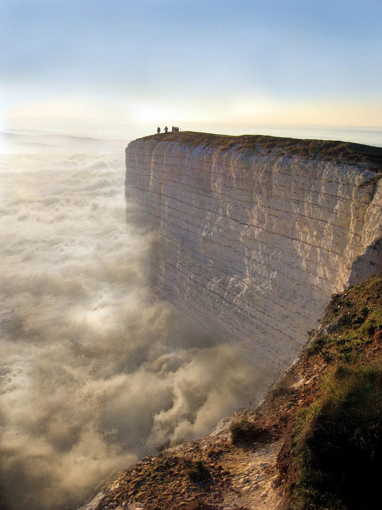 travelingcolors:  Beachy Head | England (by Zapkus)  Oh my gosh those clouds look amazing!