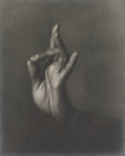 regardintemporel:  Helen Pierce Breaker - India Ramosay's Hand, 1935