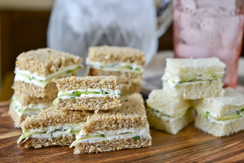 recipegirls:  Herbed Goat Cheese Sandwiches