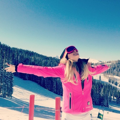 keepyoursouag:  .@parishilton | Barbie Ski Bunny on the mountain and ready to shred the ice! #YES! | Webstagram - the best Instagram viewer sur We Heart It. http://weheartit.com/entry/53611503/via/miskamihal