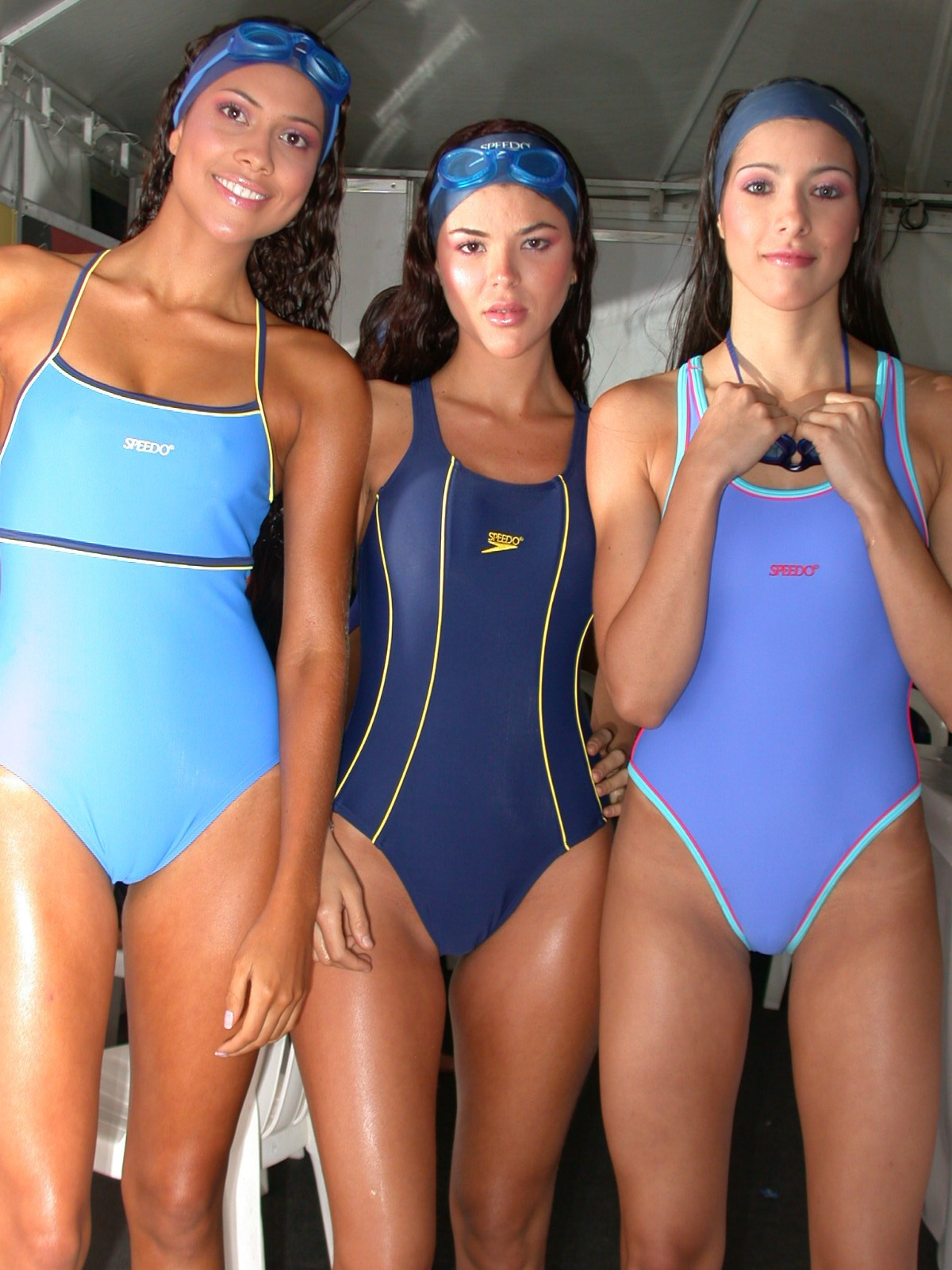 Candid young girls in swimsuits — photo 11
