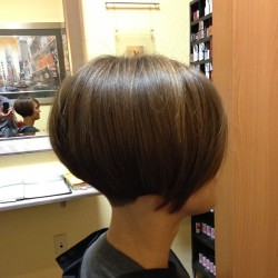 goshorter:  #hair #hairart #haircut #haircolor #hairstyle #hairstylist #shorthair #shorthaircut #shorthairstyle #shorthairphotos #bob #bobhaircut #nape - @dillahaj- #webstagram