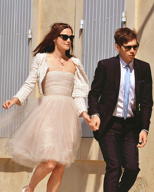acciorum:   Keira Knightley & James Righton