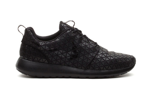 peternyc:  Nike Roshe Run Metric