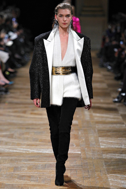yourmothershouldknow:  Balmain Autumn/Winter 2013 Paris Fashion Week  GIVE IT ALL TO ME.