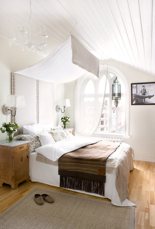 dreamy bedroom (via desire to inspire)