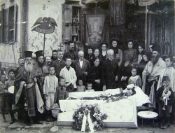 wahnwitzig:  Funeral at an Orthodox Church