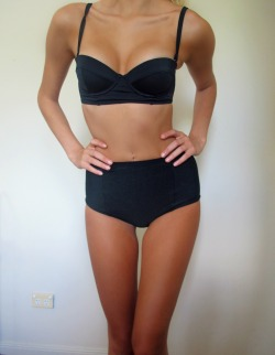 b0nj0urrr:  want her body ugh