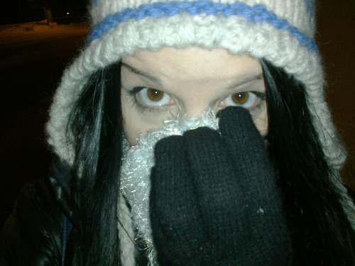 Waiting for the bus on a cold finnish winter's eve… Not one of my best ideas XD