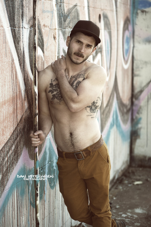 accidentalbear:  (via We Could Look (Lick) at This Hunk Jason All Day! Photographs by Dan Ostergren)  beautiful