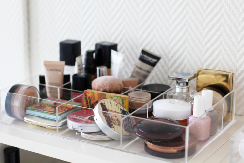 champagneintomyvein:  cosmetic organizer (auroramohn) on We Heart It - http://weheartit.com/entry/43578360/via/anasofie