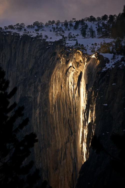 travelingcolors:  Yosemite | California (by Andras Horvath)