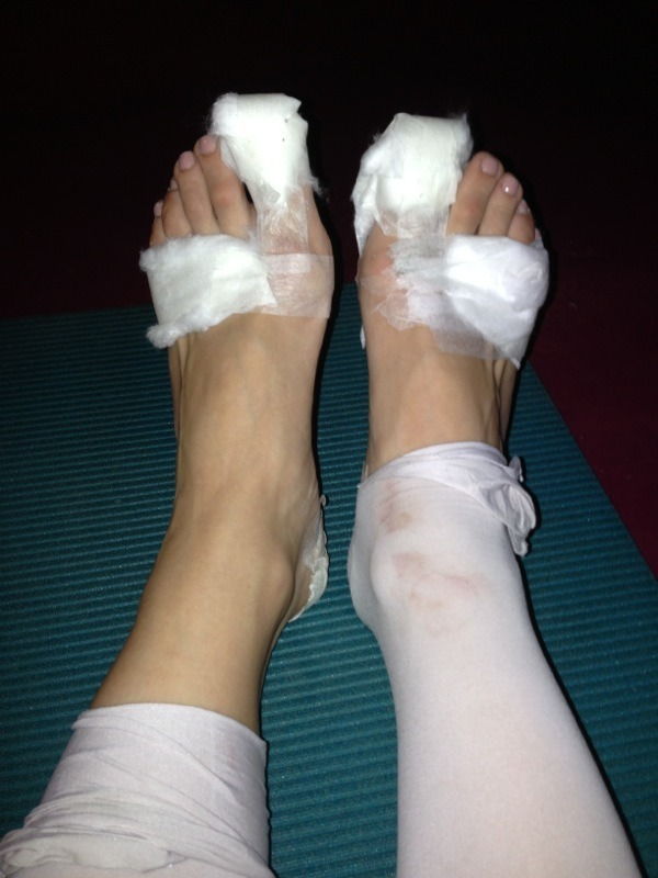 passdebourre:  primaballerina83:  And We have a show in one week  ouch :c