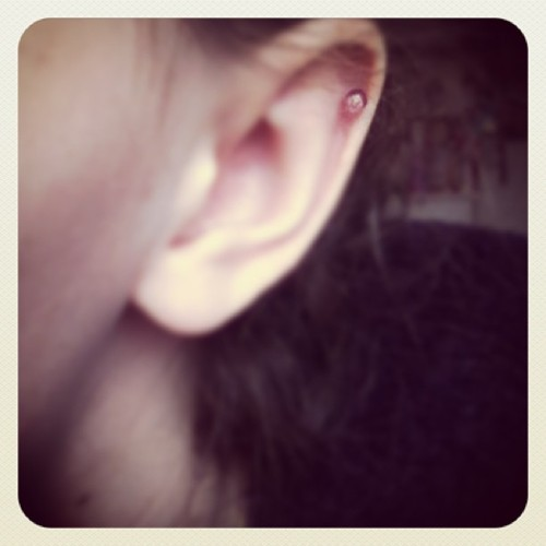 New earring/bar for my cartilage yay! #ear #earring #cartilage  😊👂🎀