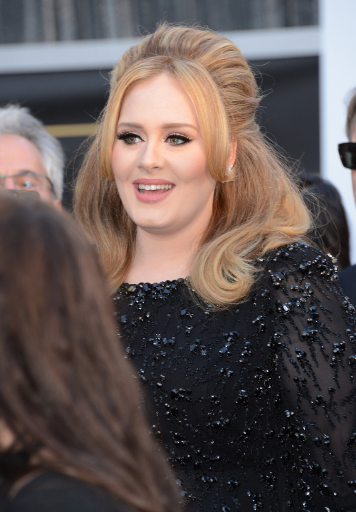 Adele arriving at the Oscars Red Carpet