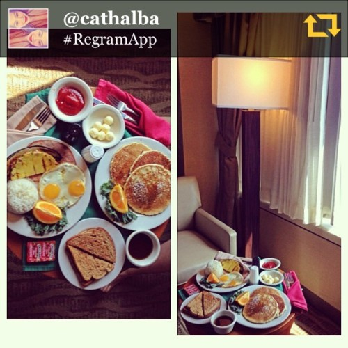 RG @cathalba: Goodmorning LA 😊 with sister @ziela08  #breakfast #LAX #mornings #regramapp