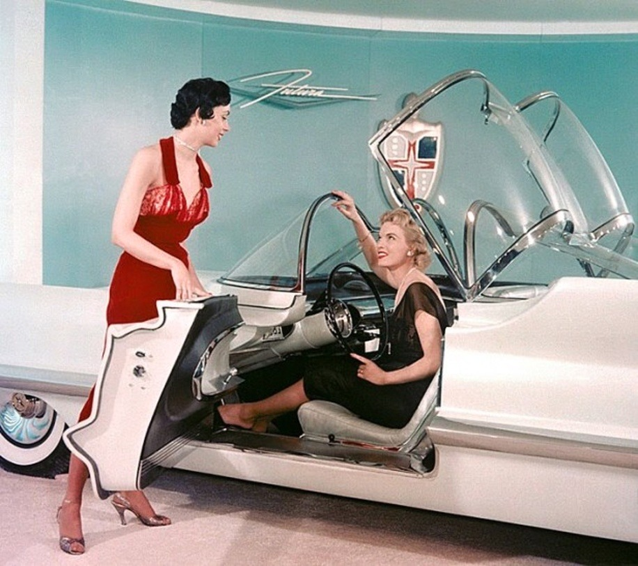 hollyhocksandtulips:  Lincoln Futura concept car, 1955