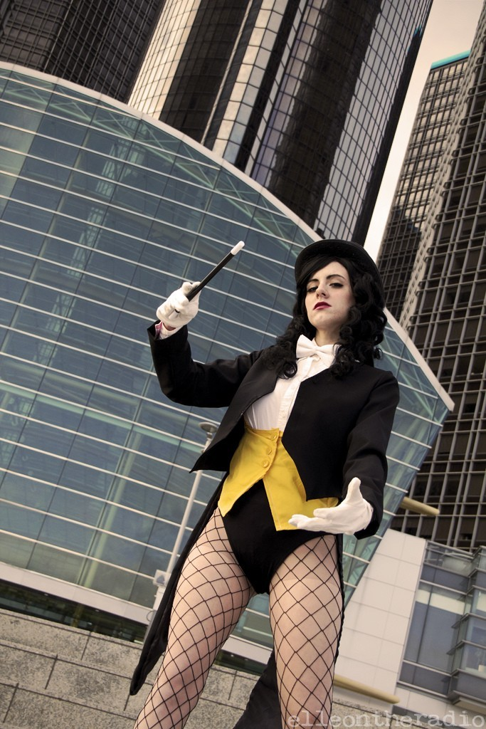 Zatanna, cosplayed by AmeZaRain, photographed by elleontheradio