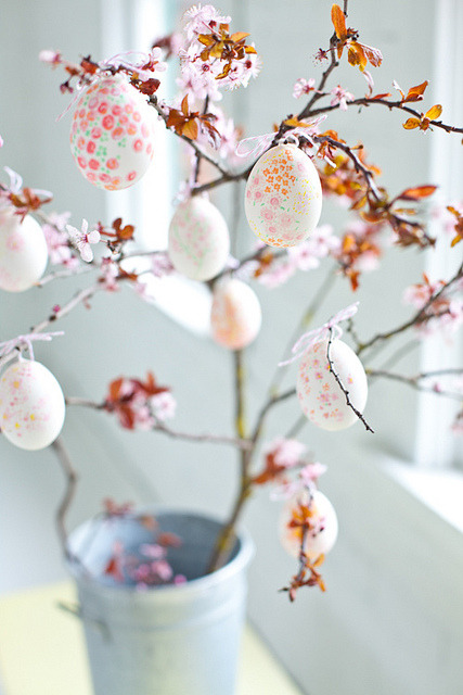 egg decor by acreativemint on Flickr.