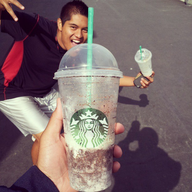 Quick run to Starbucks @joseph_nombrado #FrapHour #addicted #OnTheRoadToGoldCard
