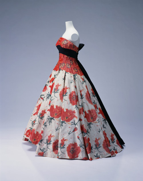 omgthatdress:  Dress Pierre Balmain, 1956 The Kyoto Costume Institute
