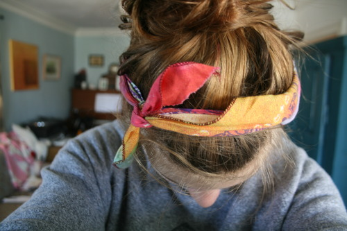 fattywbu:  fattywbu:  new bandanna c:  idk my hair kinda looks really perf in this photo tbh omg