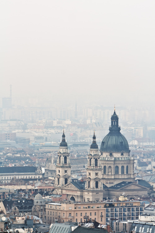 bella-illusione:  Budapest, Hungary  This was my home, for 3 wonderful years. It's an amazing city. xo