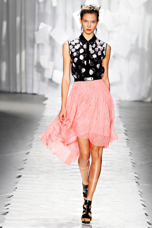 mulberry-cookies:  Karlie Kloss @ Jason Wu S/S 2012