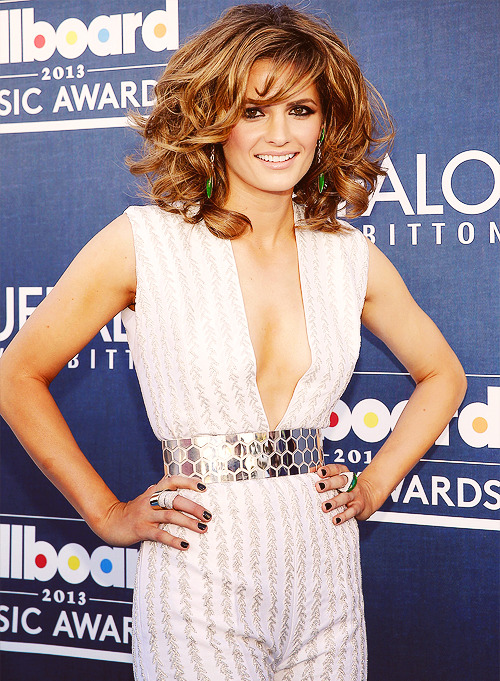 Stana Katic attends the 2013 Billboard Music Awards
