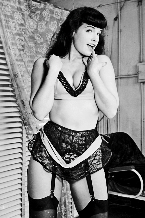 vintagegal:  Bettie Page c. 1950s