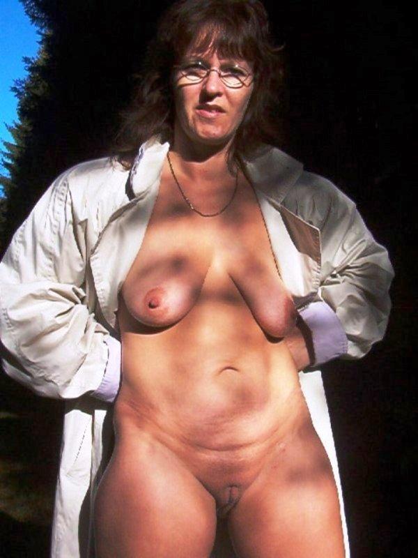 Unter mantel nackt Nackt Unterm