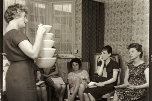 (via 1960s Tupperware Party - Retronaut)