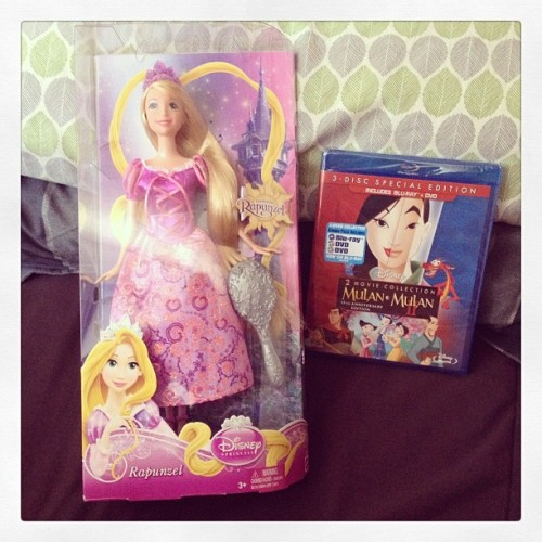 I picked up #Mulan ❤💙💜 @ Target earlier & they were offering free #Disney Princess dolls with most #disneymovie purchases. I totally decided to get #Rapunzel just so I could braid her hair!!!!! 💗💛💜 ☺ (at The Shire)