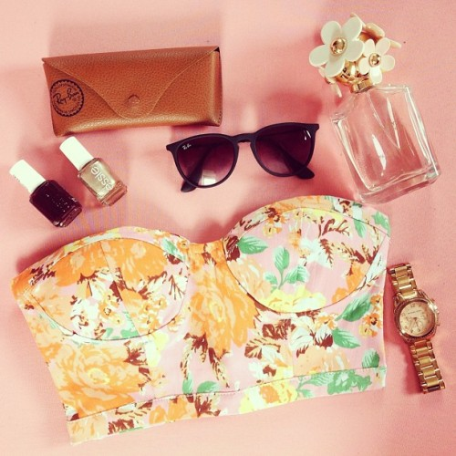 fashioninmysoul:  New floral brustier via @romwe Can't wait for summer! ☀🌴🌊