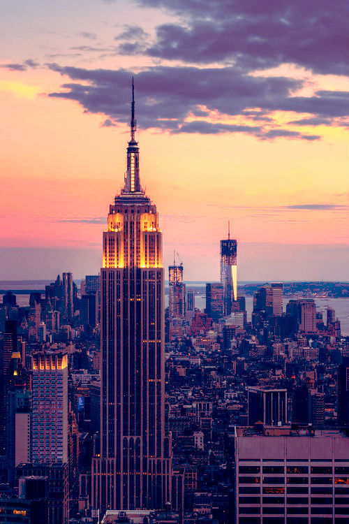 whispersandscribbles:  new york state of mind | via Tumblr on We Heart It - http://weheartit.com/entry/62112703/via/fiisHstr   Hearted from: http://y-ou-th.tumblr.com/post/50947311662