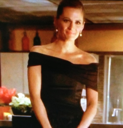 blueaerynworld:  Wow they did give Beckett a Grace Kelly, who was female lead in Rear Window, look for 100th ep homage to Hitchcock classic.