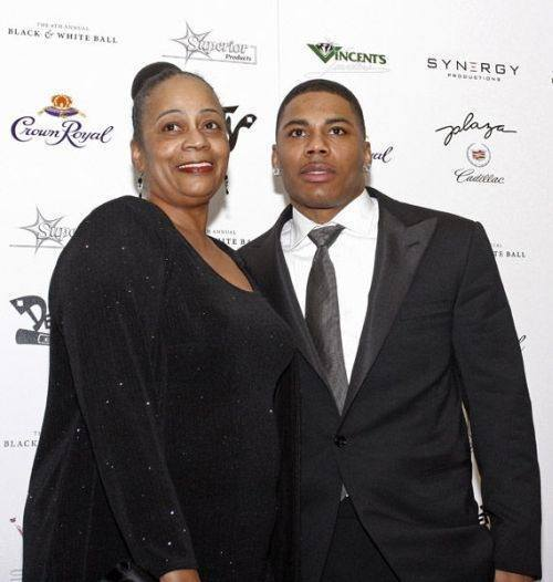Nelly and his Mama…. BEAUTIFULBLACKMEN.TUMBLR.COM