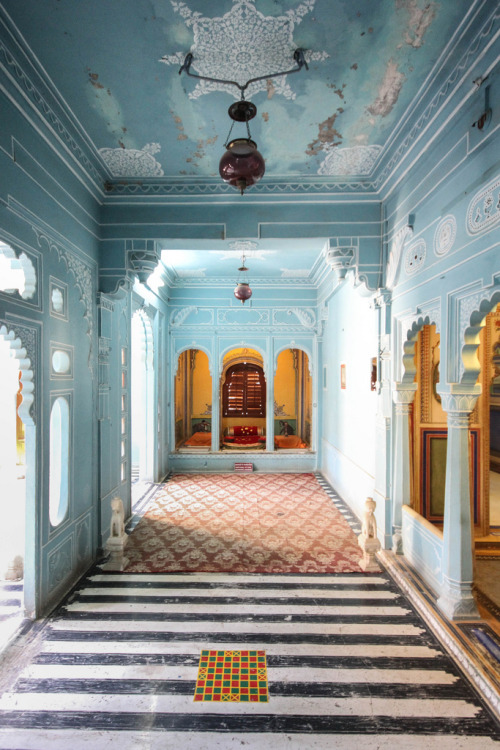 refluent:  City Palace, Udaipur, Rajasthan (by erikruthoff)