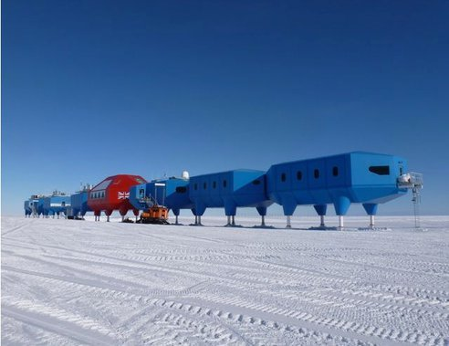 This is an amazing base that just opened in Antarctica. It crawls to keep it from freezing to the ice! Lots more cool details inside. Amazing Green Modular Halley VI Crawling Antarctic Base Opens