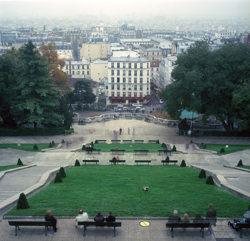 allthingseurope:  Montmartre, Paris (by Zeb Andrews)  blisters on blisters on blisters