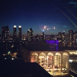 #nyc #opera #nightlight #lincolncenter (at Lincoln Center Plaza (Josie Robertson Plaza))
