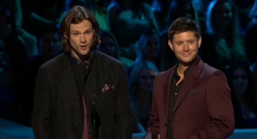 roadtriptopurgatory:  spncleanexxbrand:  This is them looking at their wives. Just look at their faces!  Their kids might see these photos and know how happy they are. How Jared's words to Gen were true and how Jensen's smiled at Danneel, knowing that they're family is starting and they'll know that no-one could love them like their daddies.