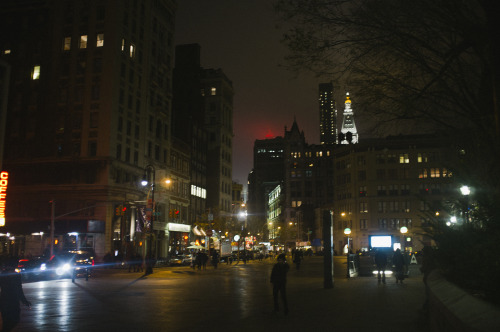 that's the empire state building in red, buddy the elf's dad works there