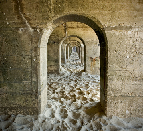 Folkestone Sands Arches (by Mike Robinson (shadegate64))