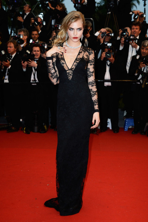 hollywood-fashion:  Cara Delevingne in Burberry at the Cannes Film Festival premiere for The Great Gatsby on May 15, 2013. Chopard jewels.