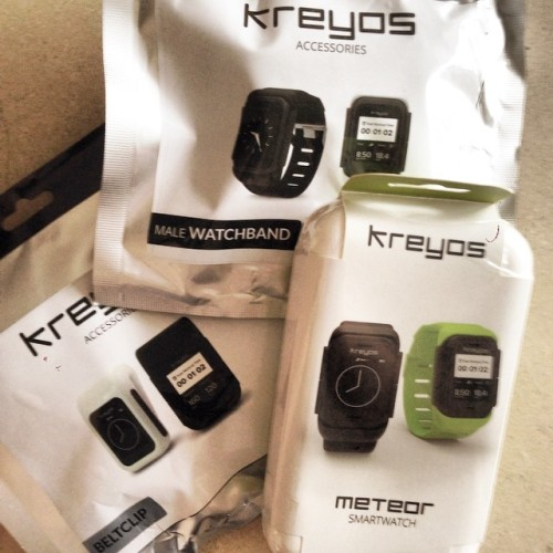 After 1.5 yrs of waiting, the #Meteor #Kreyos #Smartwatch has finally arrived. Hope it's better than the mostly disappointed reviews I've read so far.